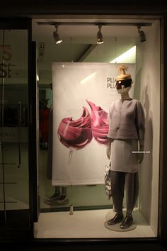 396c2b0ba4bd ISSEY MIYAKE - London May 2012 - JY by Jasonyao Yao. Paula Stroher · Vitrine  · Window display  ...