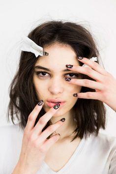 schlichte Nägel Nageldesign Bilder trendy Muster