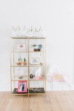 """""""I need to go IKEA, let's make a weekend of it!"""" 11 crafty IKEA hacks you can make over the weekend for your home. Glass Shelves Ikea, Gold Shelves, Retro Furniture, Ikea Furniture, Luxury Furniture, Vittsjo Hack, Ikea Shelf Hack, Hacks Ikea, Ikea Bookcase"""