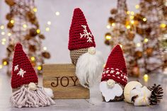 These cute little Gnome Gift Crochet Ornaments are cute for decor, and for gift giving as well. He has a secret gift compartment. Christmas Pickle, Christmas Crafts, Christmas Ornaments, Crochet Christmas, Christmas Ideas, Crochet Winter, Christmas Patterns, Homemade Christmas, Christmas Stuff