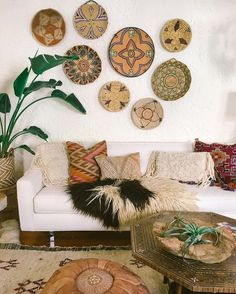 Sister Golden Blog | Styling With Baskets! – We're totally embracing the tried and true design idea of styling with baskets! Whether it's over your bed or couch, around a light switch or in an entryway, yo