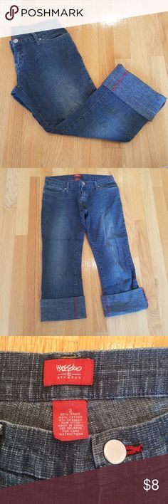 Mossimo denim capris ✈️Good condition has fading Mossimo Supply Co. Jeans Ankle & Cropped