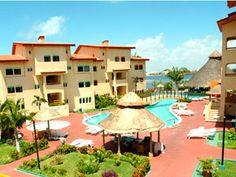 Best Western Cancún Clipper Club es un pequeño hotel privado, afiliado a la cadena hotelera más grande del mundo. Rodeado de hermosos jardines y la espectacular Laguna Nichupté, te harán disfrutar de la naturaleza en todo su esplendor.    Decorado con un exquisito estilo mediterráneo, Best Western Cancún Clipper Club ha sido recientemente renovado para tu comodidad y tranquilidad.