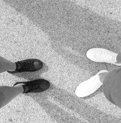 Black or white? Converse All Star de piel... las deportivas ideales. Blancas