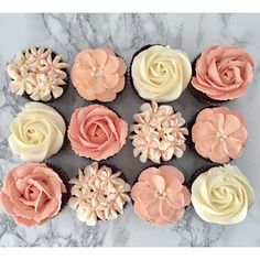 Peach floral cupcakes on satinice.com | Christine Kerr Cake Design