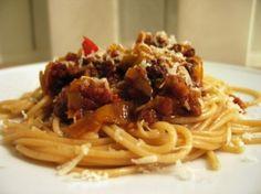 Bolognese - langtidsbagt med bacon og masser af grønt - Gastromand