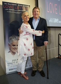 """Ryan O'Neal Photos Photos - Ali MacGraw and Ryan O' Neal attend a press conference for """"Love Letters at Broward Center For The Performing Arts on July 2015 in Fort Lauderdale, Florida. - Ali MacGraw and Ryan O' Neal 'Love Letters' Press Conference Ryan O'neal, Ali Macgraw, Mode Ab 50, Advanced Style, Ageless Beauty, Going Gray, Aging Gracefully, Older Women, Movie Stars"""