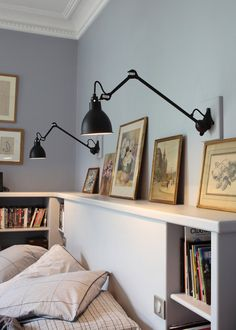 Une applique dans sa chambre / Bedroom / Home / Lamp for the bedroom / Applique : 10 lampes murales indispensables - Marie Claire Maison                                                                                                                                                                                 Plus