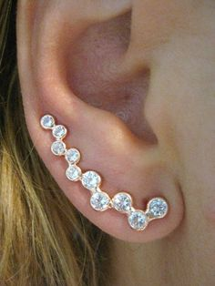EAR PIN SWEEP WRAP / CUFF for pierced ear with CZ stone which is in a line.  Rosa Gold plated on 925k Sterling Silver.  Height of the ear sweep is approx. 3.5 cm - ( 1 inch = 2.5 cm) Diameter of the s