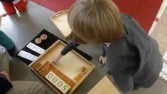 Opérations avec le système décimal (atelier Montessori de mathématiques)