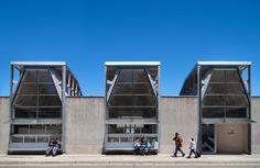 Galería de 12 obras de arquitectura que demuestran un modo creativo de pensar una biblioteca - 9