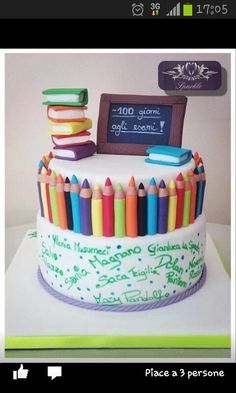 School theme cake, colored pencils, mini books, chalkboard, Scuola