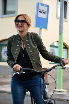 MERY OF THE STYLE: CHAQUETA VERDE MILITAR BY MERY