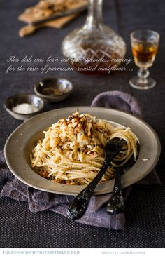 We love this dinner recipe for Spaghetti with Roasted Cauliflower, Walnuts and Blue Cheese Ingredients 250 g cauliflower head about 30 ml olive oil cup finely grated parmesan cheese […] Vegetarian Cauliflower Recipes, Roasted Cauliflower, Cauliflower Pasta, Wine Recipes, Great Recipes, Favorite Recipes, Pasta Recipes, Delicious Recipes, Recipe Ideas