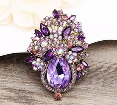 High-Quality Brooch! VERY Beautiful CRYSTAL RHINESTONE BROOCH! Wonderful Gift for Lover/Friends/Families or yourself! Perfect for so many wedding DIY Ideas! Headpiece, Sash,Dress,Clothes,Pillows,Gown,Head Band,Wedding Belt,Bags or Clutch Jewelry... Imagine is ENDLESS. 100%