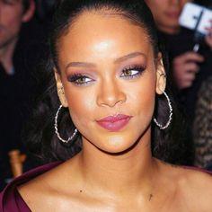 Rihanna. Elle est magnifique ♥♥♥