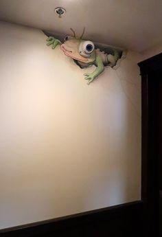 In Ypsilanti MI a new type of monitor lizard was discovered .- In Ypsilanti MI wurde eine neue Art von Monitoreidechse entdeckt. Er scheint r A new type of monitor lizard was discovered in Ypsilanti MI. He seems r - 3d Street Art, Murals Street Art, Amazing Street Art, Street Art Graffiti, Mural Art, Amazing Art, Wall Murals, Graffiti Artists, Art Art