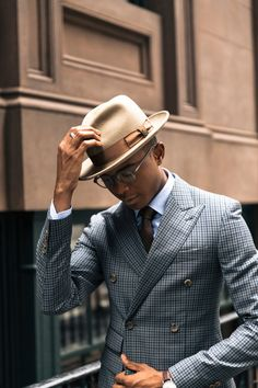 Workwear Fashion, Mens Fashion Suits, Mens Suits, Men's Fashion, Fashion Blogs, Fashion Styles, Fashion Trends, Mens Dress Hats, Men Dress