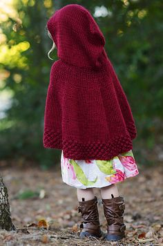 Ravelry: Capuchon pattern by Tagil Perlmutter    So cute