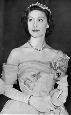 youlovelucie:  Princess Margaret in the Cartier Halo Tiara
