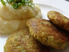 Salty Foods, Bon Appetit, Baked Potato, Mashed Potatoes, Hamburger, Food And Drink, Gluten Free, Cooking, Ethnic Recipes