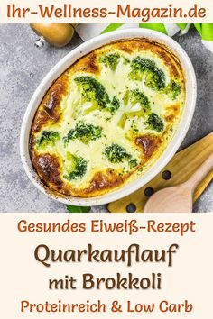Healthy quark casserole with broccoli: Hearty low-carb recipe for a low-calorie, high-protein, vegetarian casserole with low-fat curd cheese. The simple, quick protein diet recipe is a light lunch or dinner to lose weight … Healthy Chicken Recipes, Low Carb Recipes, Diet Recipes, Diet Meals, Keto Chicken, Vegetarian Casserole, Chicken Broccoli Casserole, Low Carb Lunch, Keto Meal Plan