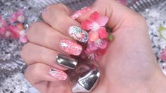 #nailart   #tutorial   #exotic   #nails   #glitter   Exotische Motive, Glanz und Glitter – das ist die perfekte Kombi für eine aufregende Nailart. Mit dem neuen Jolifin Illusion Glitter und einem Motiv der Jolifin Tattoo Wraps haben wir ein schimmerndes Design gezaubert. Hier findest du die Produkte der Modellage: http://www.prettynailshop24.de/shop/nailart-shiny-flamingo-video_1053.html?utm_source=pinterest&utm_medium=referrer&utm_campaign=pi_NA3216