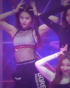 Like A G6, Badass Aesthetic, Korean Girl Groups, Uzzlang Girl, Blackpink Fashion, Girl Crushes, Video Editing, K Idols, Taekook