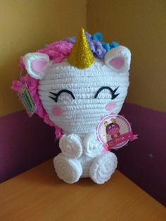 Centro de mesa de unicornio, síguenos en facebook ART-piñatas . Unicorn Pinata, Unicorn Party, Unicorn Birthday Parties, Birthday Party Themes, Birthday Stuff, Second Birthday Ideas, Fiesta Party, Diy Party Decorations, Party Time