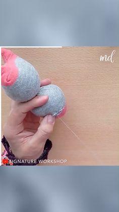 Diy Sock Toys, Diy Toys, Art And Craft Videos, Art N Craft, Diy Crafts Hacks, Diy Home Crafts, Denim Bag Patterns, Cool Paper Crafts, Sock Dolls