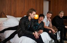 """I love this photo, why? Luke and Micheal look sad after the boys watched a sad movie. Then there's Ashton who looks like he's picking his nose but he's scratching it and then Calum's like """"dude you're ruining the moment! 5 Seconds Of Summer, 5sos Pictures, 5sos Pics, 5sos Imagines, 5sos Memes, Presents For Girls, Summer Boy, Michael Clifford, Calum Hood"""