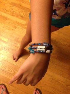 Homemade bracelet Homemade Bracelets, Crafts For Girls, Jewelery, Bead, Craft Ideas, Pearls, My Style, Fashion, Jewlery