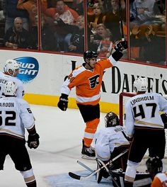 Photos: Philadelphia Flyers vs Ducks 10.29.13