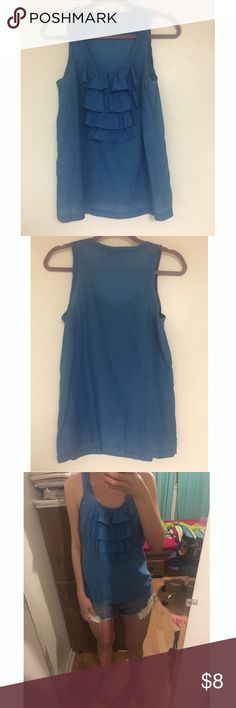 ❣️5 for $20❣️Old Navy ruffled top Old Navy blue ruffled top. In excellent condition, worn once! Size S Old Navy Tops Tank Tops