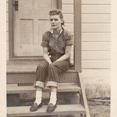 Mode Vintage, Vintage Denim, Vintage Ladies, Vintage Style, 1940s Style, 1940s Fashion, Vintage Fashion, Vintage Clothing, Old Photos