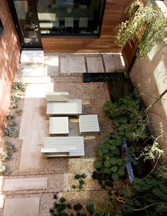 Línea Architecture is a full service Architecture firm that provides a wide range of services for both residential and commercial projects. Ada Corral is a registered Architect in the state of Texas; her practice is in Austin Texas. Landscaping Austin, Courtyard Landscaping, Modern Courtyard, Modern Landscaping, Courtyard Ideas, Patio Ideas, Landscaping Ideas, Backyard Ideas, School Architecture
