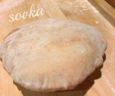 Tento typ chlebovych placiek je tu velmi popularny a sluzi ako doplnok k jedlam, alebo sa do neho zabalia rozne upravy salatov a masa s dresingami a jedia sa ako samostatne jedlo. Moj najoblubenejsi je original Bread, Food, Brot, Essen, Baking, Meals, Breads, Buns, Yemek