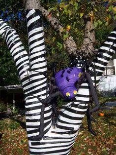 Diy-Halloween-items-With-Trash-Bags-6