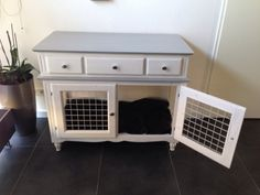 dog care,dog grooming tips,dog ideas,dog nail trimming,dog ear cleaner Double Dog Crate, Dog Crate Furniture, Refurbished Furniture, Diy Dog Kennel, Dog Kennels, Crate Bench, Cavachon Puppies, Diy Dog Crate, Dog Spaces