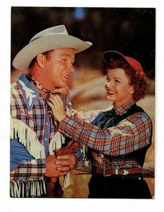 Roy Rogers & Dale Evans How sweet! Gail Davis, Country Music, Country Singers, Dale Evans, Cowboy Girl, Old Movie Stars, Roy Rogers, Movie Couples, Happy Trails
