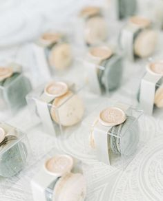 33 Edible Wedding Favors Your Guests Will Eat Up#Party Food Inexpensive Wedding Favors, Elegant Wedding Favors, Edible Wedding Favors, Wedding Favors For Guests, Personalized Wedding Favors, Unique Weddings, Wedding Blush, Wedding Candy Boxes, Macaron Favors