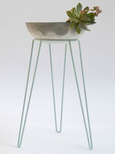 DIY | Mint Metal Wire Plant Stand Mid-Century Inspired