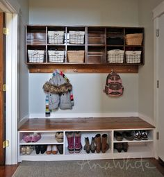35 trendy Ideas for diy storage wall cubbies Shoe Storage Bench Entryway, Cubby Storage, Diy Bench, Boot Storage, Storage Benches, Hidden Storage, Clothes Storage, Craft Storage, Bedroom Storage