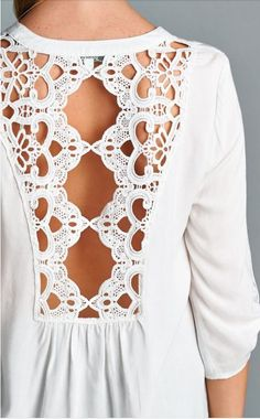 Really like this cut out on the back. I like the sleeve length too