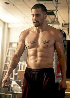Jake Gyllenhaal as Billy Hope in Southpaw. Jake Gyllenhaal Young, Jake Gyllenhaal Shirtless, Jake Gyllenhaal Body, Jake Gyllenhaal Movies, Hottest Male Celebrities, Celebs, Hollywood, Hommes Sexy, Hot Men