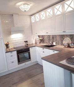 🌸 Good morning 🌸 Have a beautiful day 🌟 ~~~~~~~~~~~~~~~~~~~~~~~~~~~~~~~~~~ #kjøkken #epoq #kjøkkeninspirasjon #kitchen #kitcheninspiration…