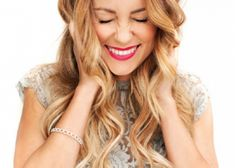 The official site of Lauren Conrad is a VIP Pass. Here you will get insider knowledge on the latest beauty and fashion trends from Lauren Conrad. Pretty Hairstyles, Girl Hairstyles, Braided Hairstyles, Style Hairstyle, Loose Hairstyle, Wedding Hairstyles, Quinceanera Hairstyles, Simple Hairstyles, Wedding Updo