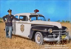 Vintage Cars 18 Incredible Colorized Photos of American Police Cars From Between the and ~ vintage everyday Tactical Medic, Emergency Vehicles, Police Vehicles, Old Police Cars, Car Cop, Police Life, Colorized Photos, Car Badges, Emergency Response