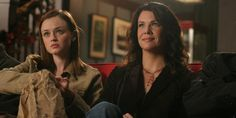 Gilmore GIrls | 15 TV Shows And Movies That Came Back From The Dead In 2015