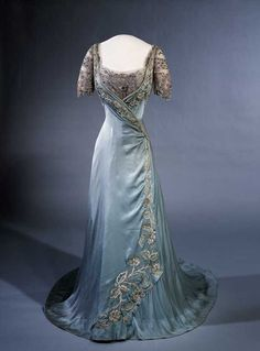 Fashion and Costume History   ephemeral-elegance: Evening Gown, ca. 1909 Worn...